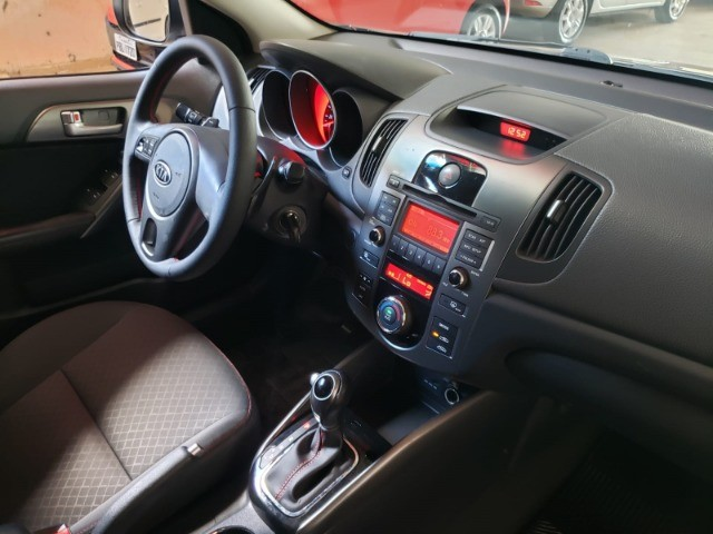Kia Cerato Sx3 1.6 Aut - Foto 12