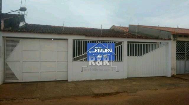 Vende-se uma excelente casa no Bairro Tiradentes