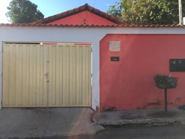 Alugo casa na 605 Norte