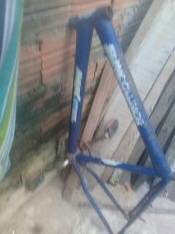 Vendo dois quadro de bike aro 26 whats 984499733