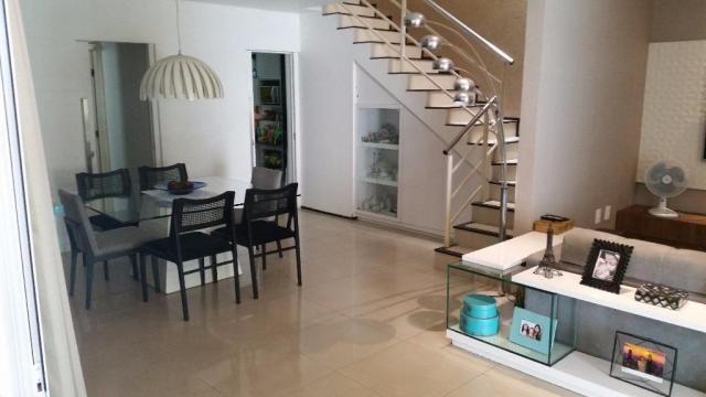 Confortável duplex, 4stes, amplos espaços de muito bom gosto. - Foto 15