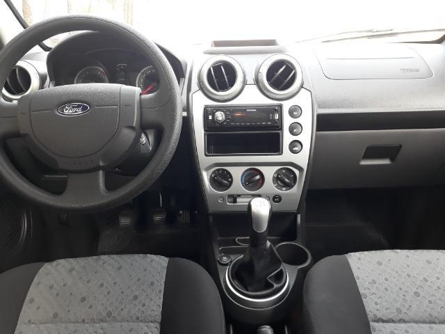 Ford Fiesta Class 1.5, o mais novo e conservado do Brasil - Foto 10