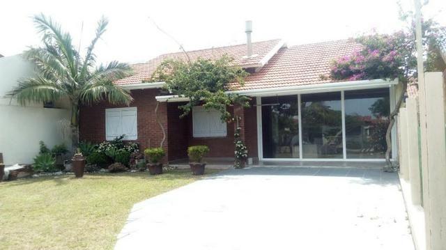 Bela casa em Nova Tramandai 4 quadras da praia (200 metros da beira mar) - Foto 3