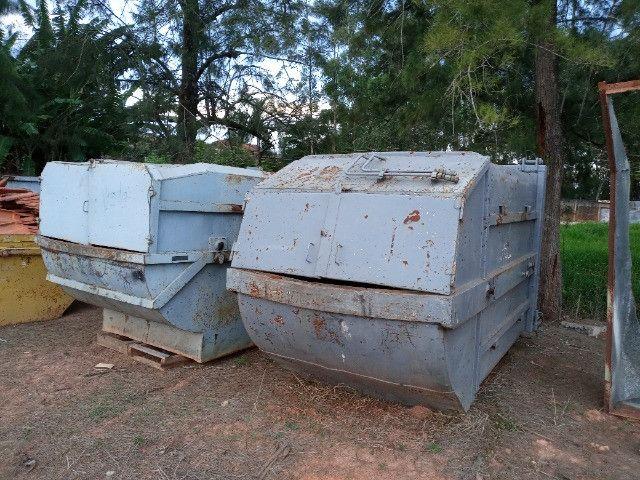 Duas Caçambas compactadoras de lixo - Foto 7