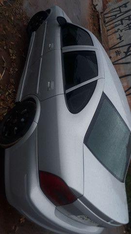 Vectra 2.2 8v 2005 - Foto 3