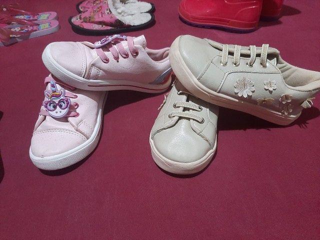 8 pares de calçados  menina 27/28 - Foto 2