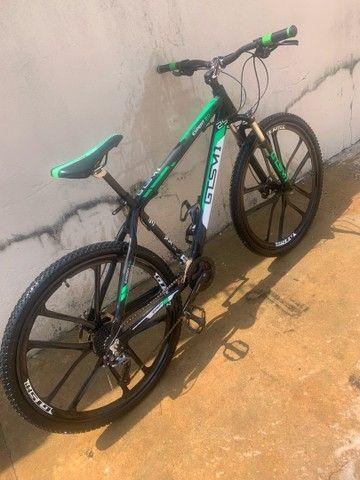Bicicleta aro 29 grupo shimano - Foto 3