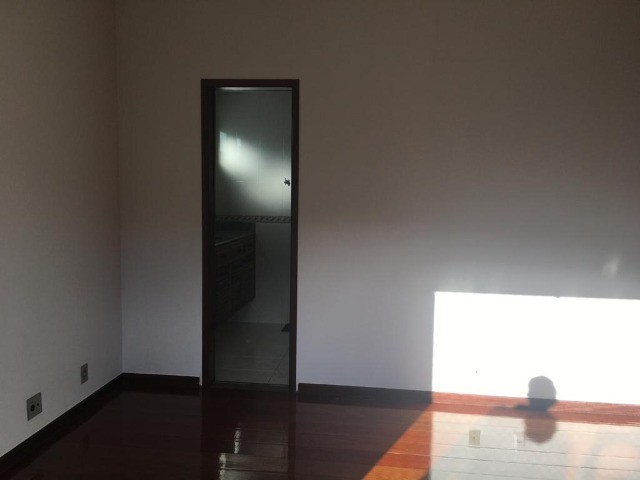 Casa com 5 quartos sendo 4 suítes em condomínio no Alto - Foto 13