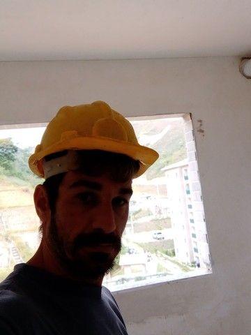 Pedreiro ladrilheiro