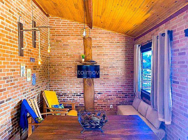 Casa com 2 quartos com 1 Suite - Cozinha Americana - 2 Vagas de garagem - Deck com Churras - Foto 3