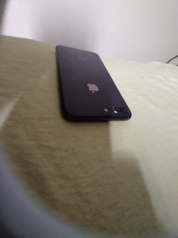 iPhone 8 Plus 64gb preto - Foto 2