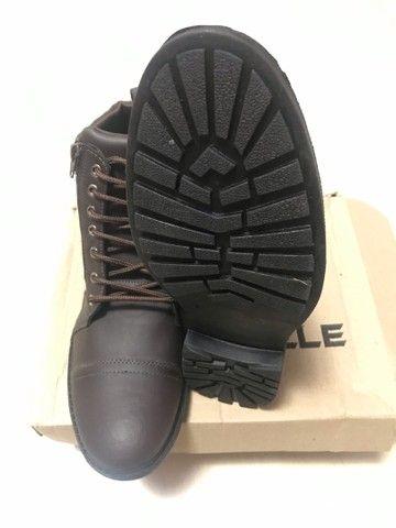 Vendo par de botas, novas, tam. 41 - Foto 3