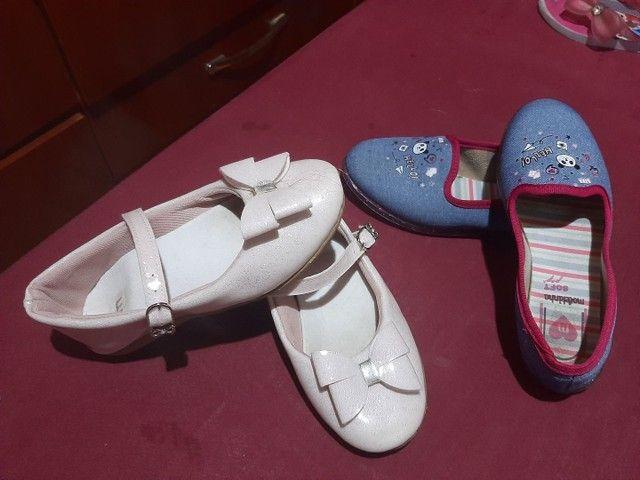8 pares de calçados  menina 27/28 - Foto 3