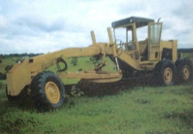 Motoniveladora 225
