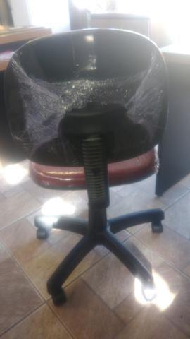 Cadeira secretaria giratória produto novo-em estoque - Foto 2