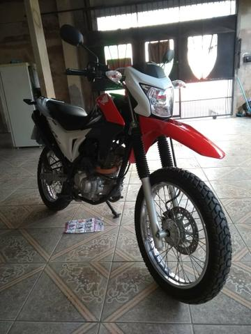 Vende se ou troca se por moto de menor valor uma Bros 160 ano15/15