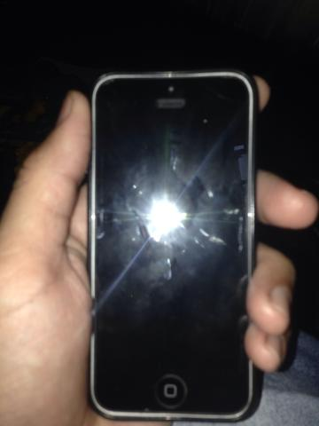 Vendo esse iPhone5c 16gb 150reais