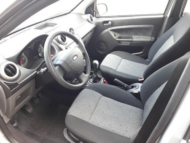 Ford Fiesta Class 1.5, o mais novo e conservado do Brasil - Foto 6