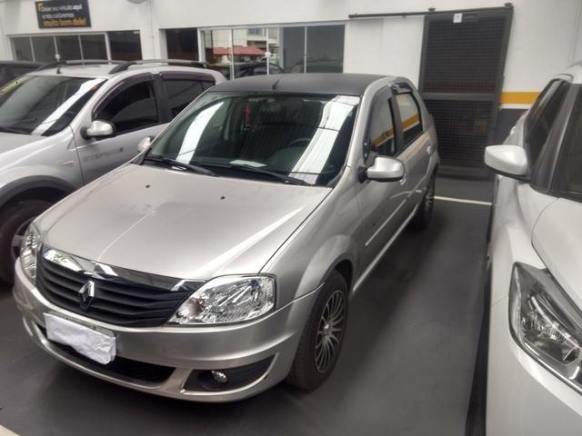 Renault Logan 1.6 8v completo 2011