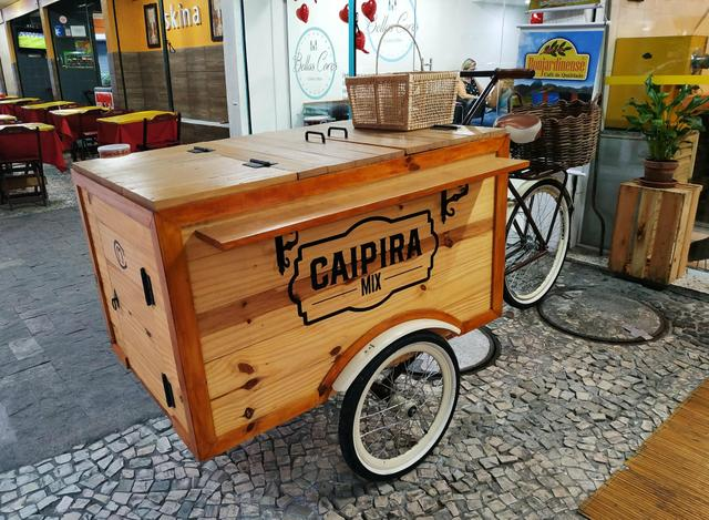Triciclo retrô lindo! Ótimo para feiras e eventos