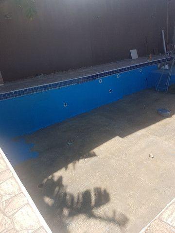 Restauração  e reforma  de piscina ovenaria fibra de vidro e azulejo  pedras
