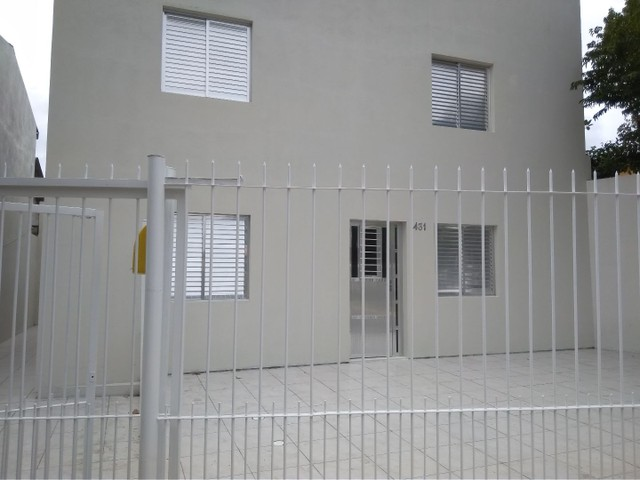 Alugo casa com 02 dormitórios - Foto 2