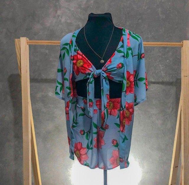 Conjunto cropped, short e kimono