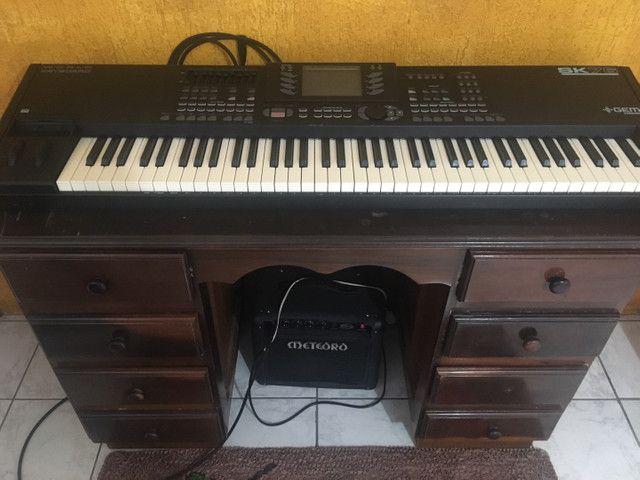 Piano eletrônico GEM SK76 + cubo meteoro