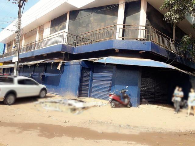 Alugo prédio comercial,localizado na área portuária em frente ao porto de Santana