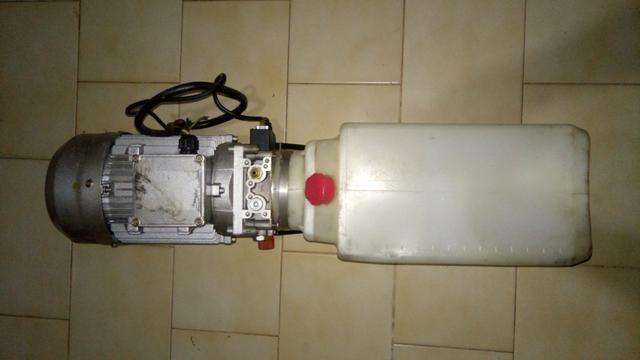 Bomba hidráulica com motor 3cv