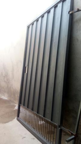 Vendo porta 1.20 de largura 1.90 de altura portao da novo