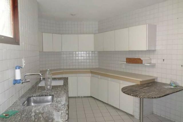 Casa em Casa Forte, 5 quartos e piscina - Foto 7