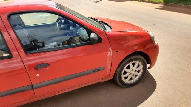 Reno Clio 2006 5.000 com reparos a fazer - Foto 2