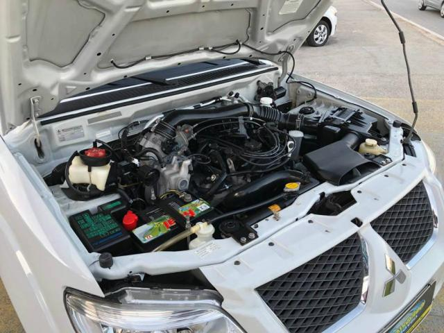 Mitsubishi Pajero TR4 FL 2WD HP - Foto 12