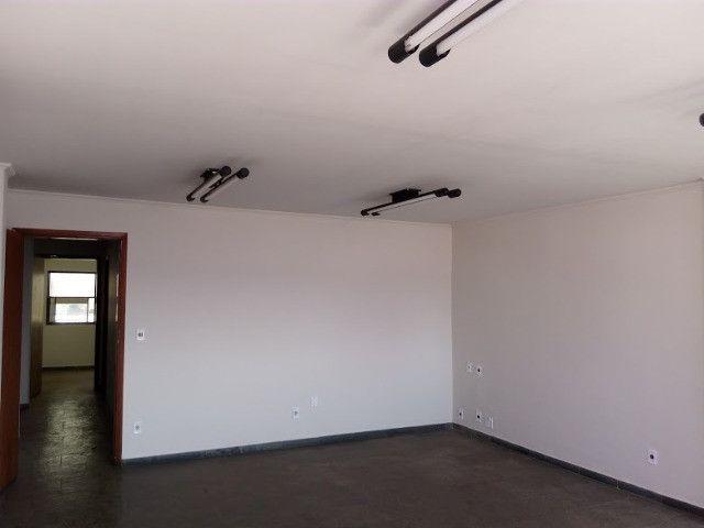 Maior sala do condominio no centro da cidade - Foto 9