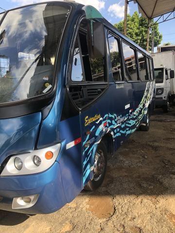 Microônibus ano 2004 - Foto 2