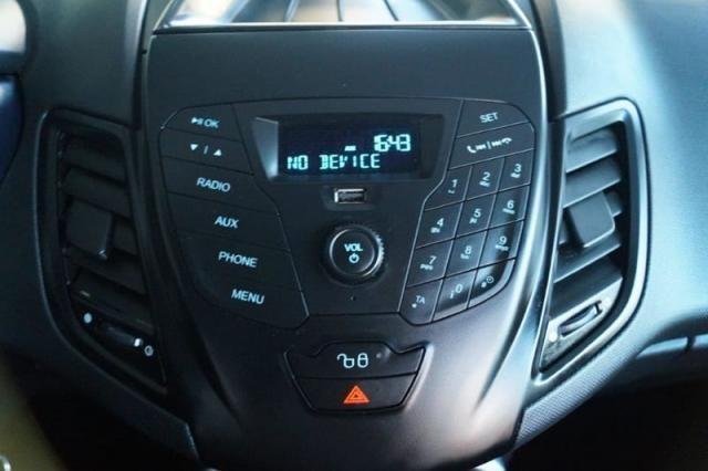 Fiesta 1.5 SE todo revisado pneus novos 2015 - Foto 16