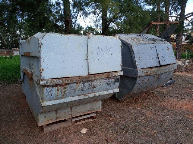 Duas Caçambas compactadoras de lixo - Foto 5