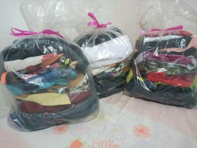 Vende-se lote de roupas usadas e manequim (LEIA A DESCRIÇÃO COM ATENÇÃO)