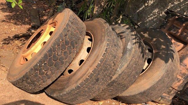 Vendo roda sem câmera e pneus  - Foto 2