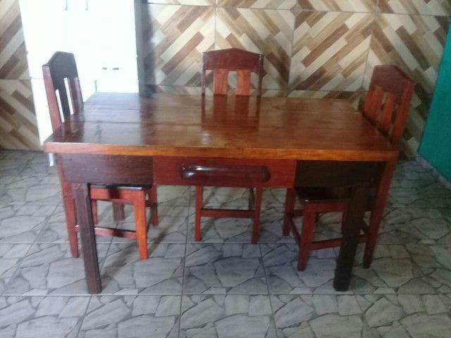 Mesa 0,82 X 1,48 com 4 cadeiras e gaveta  - Foto 3