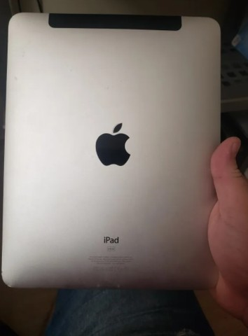Apple iPad 1 64gb Modelo A 1337 - Mc497e/a Wi-fi 3g (avariado)