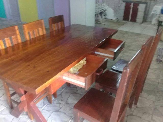 Mesa 0,87 X 1,94 com 6 cadeiras e 2 duas gavetas.  - Foto 2