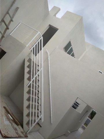 Alugo casa com 02 dormitórios - Foto 3