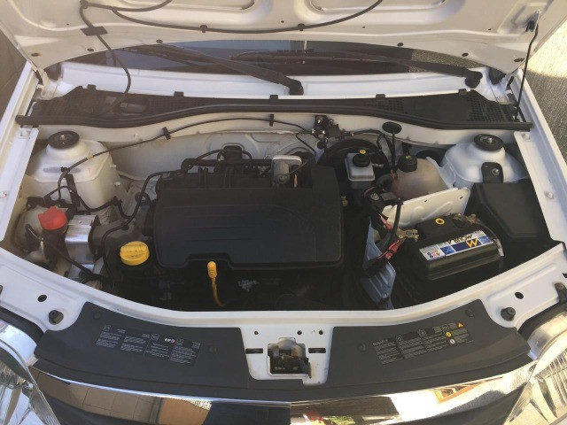Renault Logan Authentic 1.0 16v Flex  - Foto 4