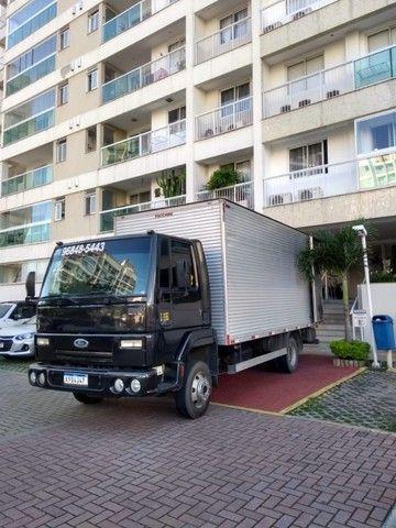 Frete e mudanças caminhão báu 5,5 metros de cumprimento - Foto 6