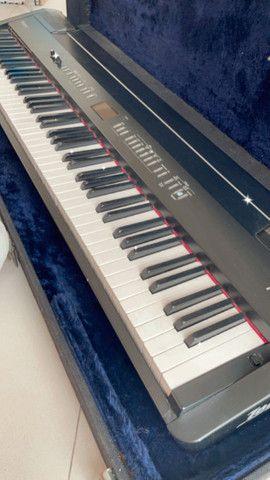 Piano Eletrônico Digital Roland FP-7 - Foto 2