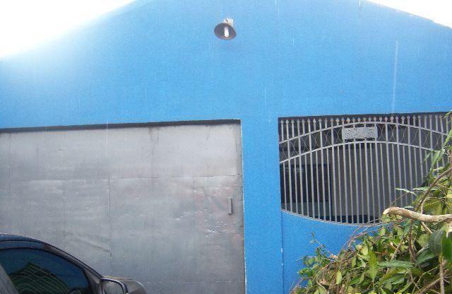 Casa com 03 quarto no Bairro Cohab