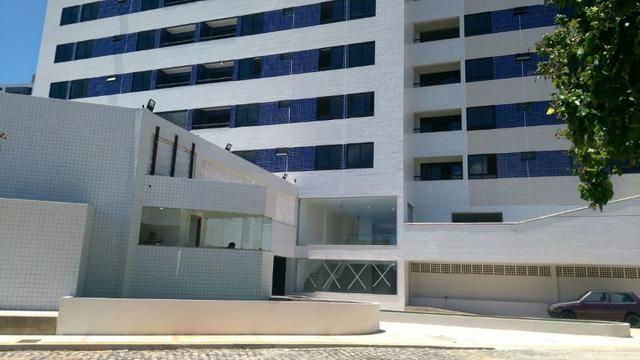 Excelente apartamento com 03 quartos, sendo 03 suítes, Petrópolis