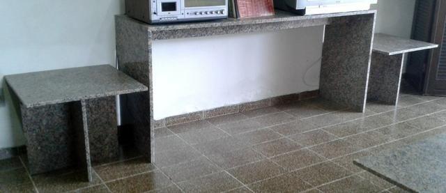 Conjunto de Console/Aparador, Mesa de Centro e 2 Mesas Laterais em Granito